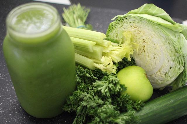 מיץ ירקות ירוקים לניקוי כבד